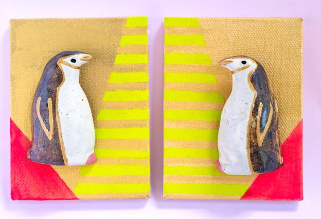 まとって飾れる双子ブローチ(ヒゲペンギン)