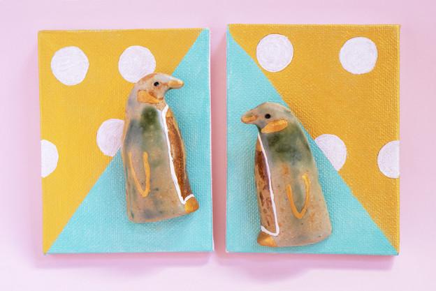 まとって飾れる双子ブローチ キングペンギン
