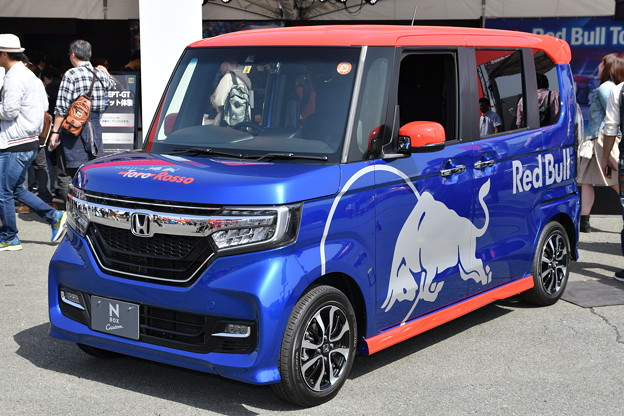 Photos: Red Bull Toro Rosso Honda N-BOX