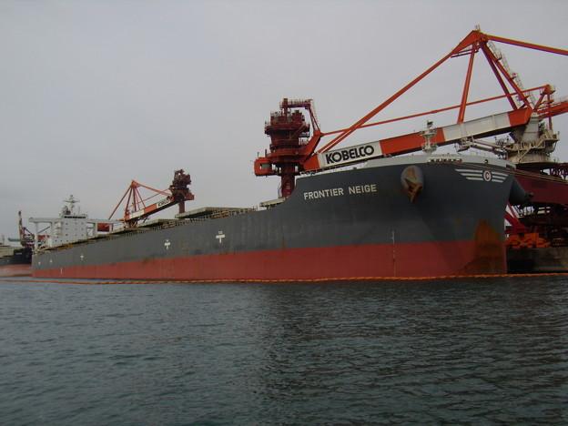 Bulk carrier - FRONTIER NEIGE の近影