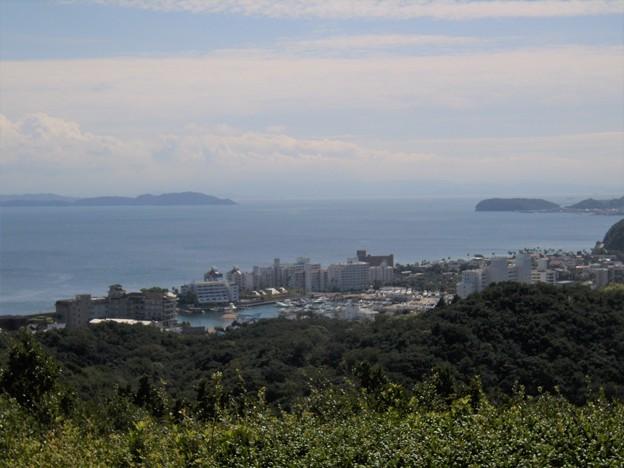 洲本の三熊山から眺める古茂江と紀淡海峡