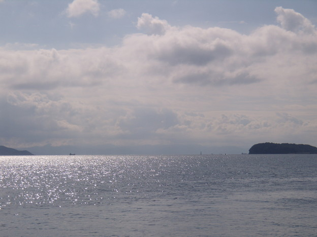 Photos: 夏の終わりの紀淡海峡