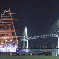 Photos: 海王丸と新湊大橋
