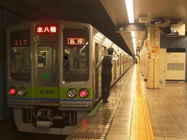 都営新宿線菊川駅2番線 都営10-280F各停本八幡行き側面よし