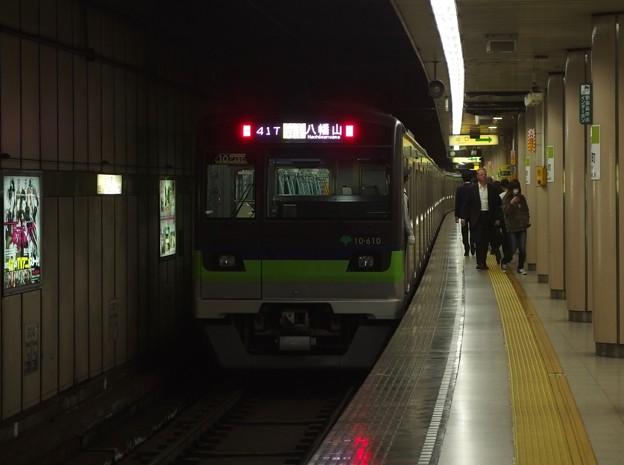 都営新宿線小川町駅3番線 都営10-610F各停八幡山行き前方確認