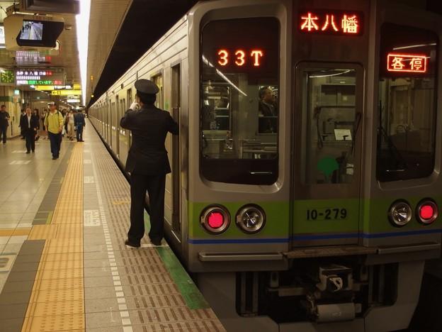 都営新宿線馬喰横山駅2番線 都営10-270F各停本八幡行き側面よし