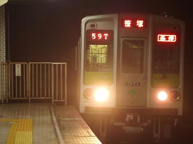 都営新宿線小川町駅3番線 都営10-240F各停笹塚行き進入(2)