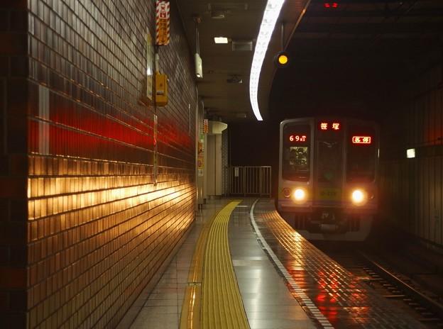 都営新宿線小川町駅3番線 都営10-270F各停笹塚行き進入