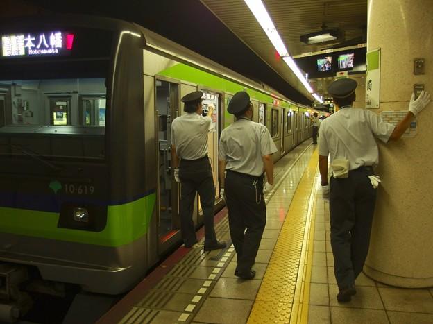 都営新宿線篠崎駅2番線 都営10-610F各停本八幡行きベル扱い
