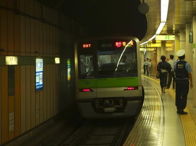 都営新宿線篠崎駅1番線 都営10-380F急行笹塚行き後方確認