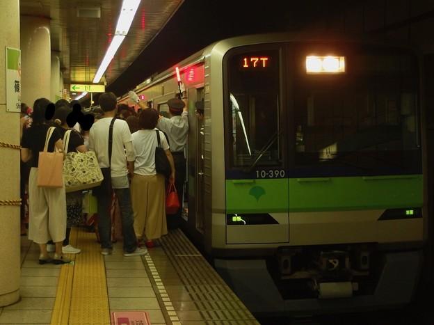 都営新宿線篠崎駅2番線 都営10-390F急行本八幡行きラッシュ