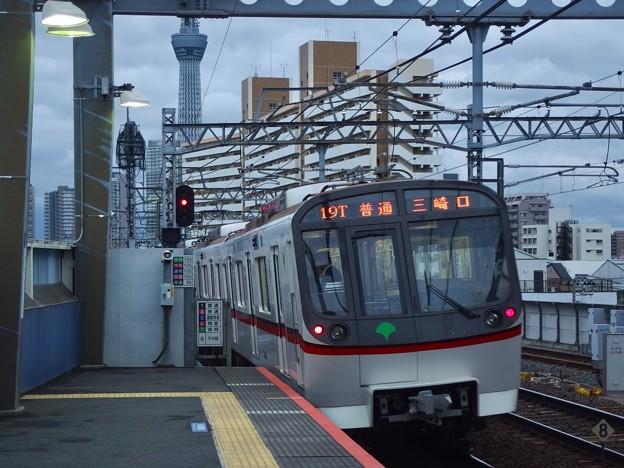 京成押上線八広駅1番線 都営5313F普通三崎口行き