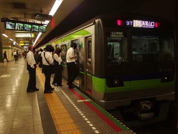 都営新宿線馬喰横山駅1番線 都営10-590F各停行き
