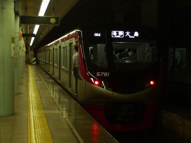 都営新宿線市ヶ谷駅2番線 京王5731各停大島行き前方確認