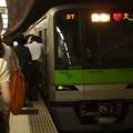 都営新宿線新宿駅5番線 都営10-370F急行大島行き乗務員交代