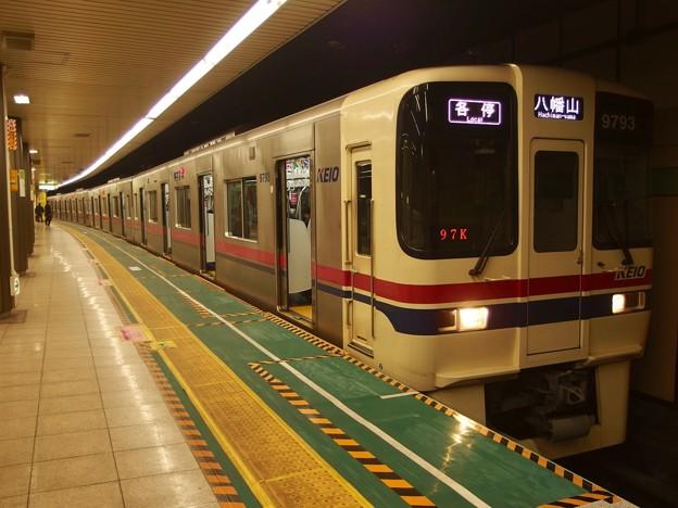 都営新宿線大島駅1番線 京王9043各停八幡山行き