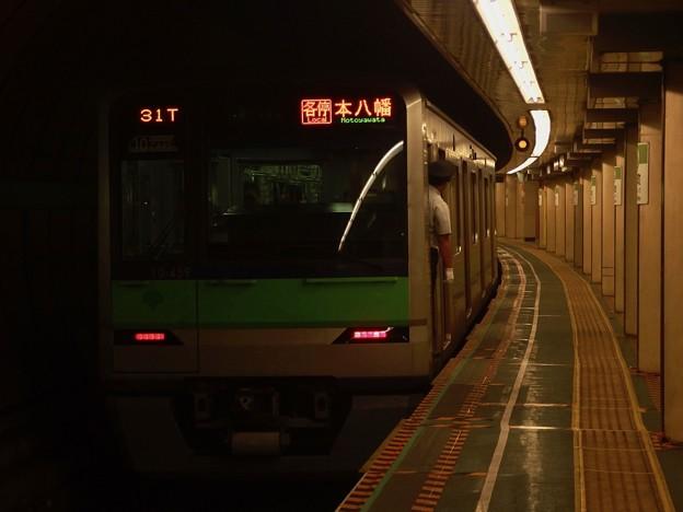 都営新宿線浜町駅2番線 都営10-450F各停本八幡行き前方確認