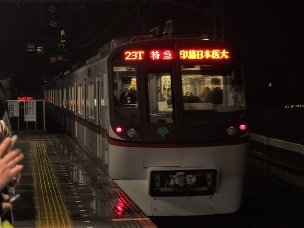 京成押上線青砥駅3番線 都営5323F特急印旛日本医大行き後方よし
