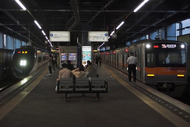 京成押上線青砥駅1番線 京成3052F快速特急羽田空港行きAE