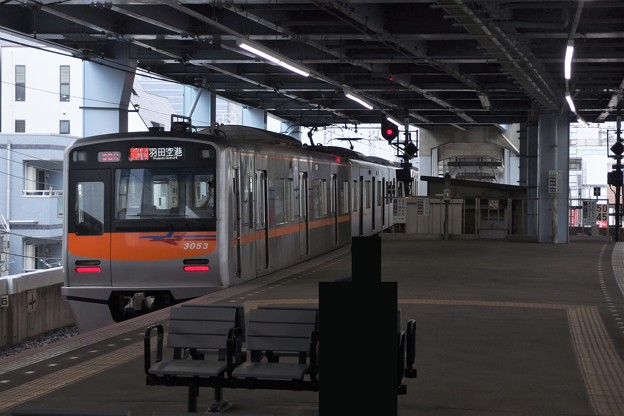 Photos: 京成押上線青砥駅1番線 京成3053Fアクセス特急羽田空港行き後方よし