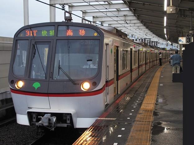 京成押上線青砥駅3番線 都営5312F快速特急高砂行き