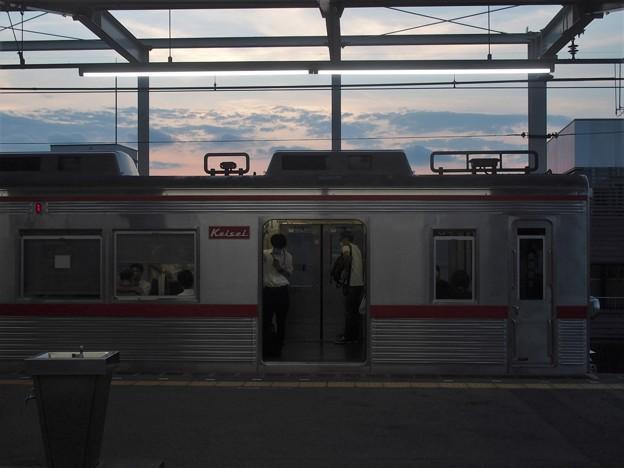 京成本線青砥駅4番線 京成3688F普通成田行き