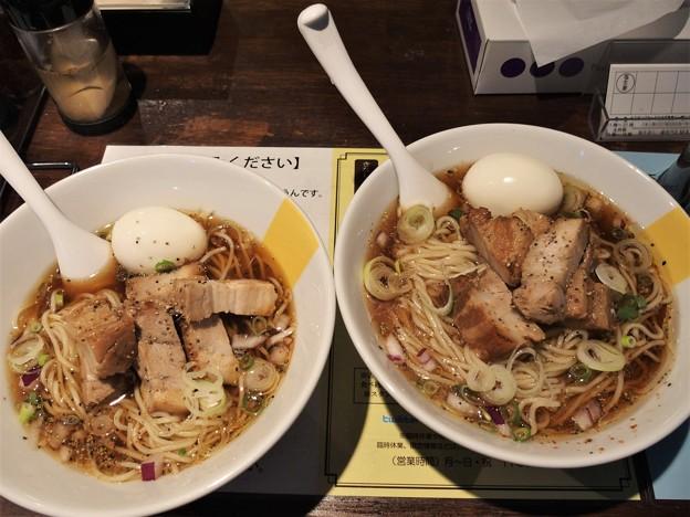 塩生姜らー麺専門店MANNISH 冷たい神田ブラック並盛と大盛