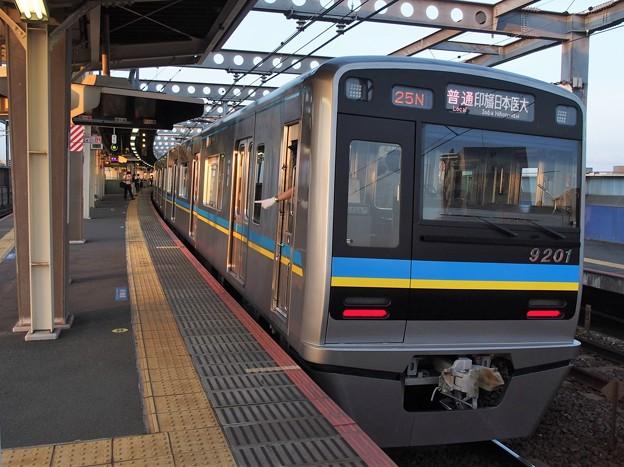 京成押上線八広駅2番線 北総9201F普通印旛日本医大行き停止位置よし