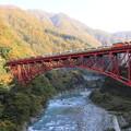 写真: 黒部峡谷鉄道トロッコ電車