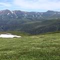 表大雪の山並みを望む