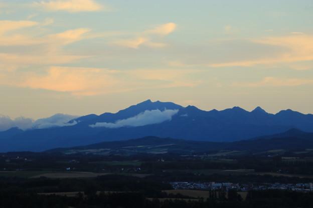就実の丘から芦別岳を望む
