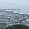 写真: 遠くに江の島