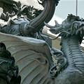 写真: 日本橋にいるドラゴン