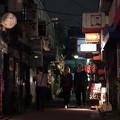 Photos: 開店前の街