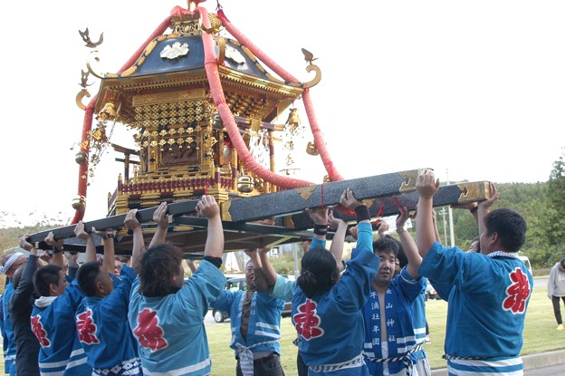 Photos: 能登島  半浦町  秋祭りより。神輿