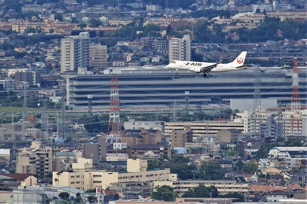 Photos: 右手に見えますのが阪神競馬場で~す!