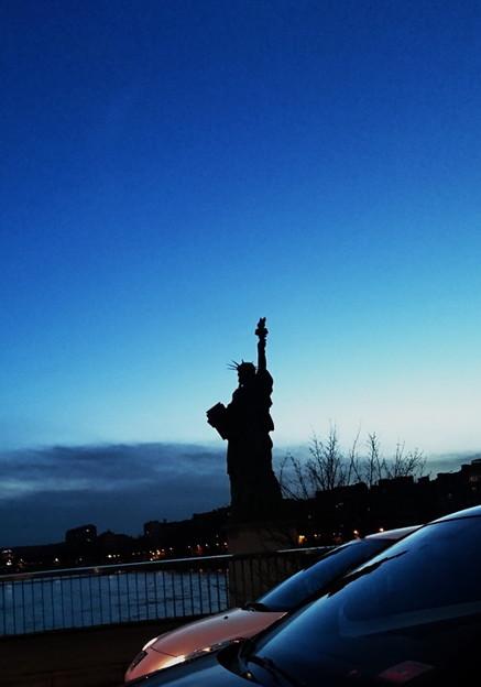 グルネル橋にある自由の女神