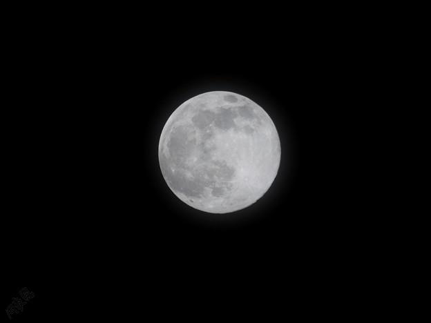 ふんわり月