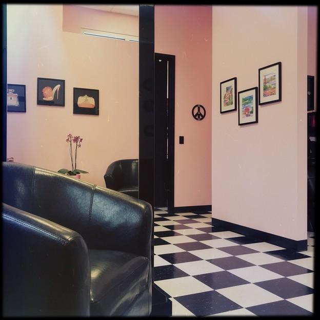 写真: At the Hair Salon 4-21-18
