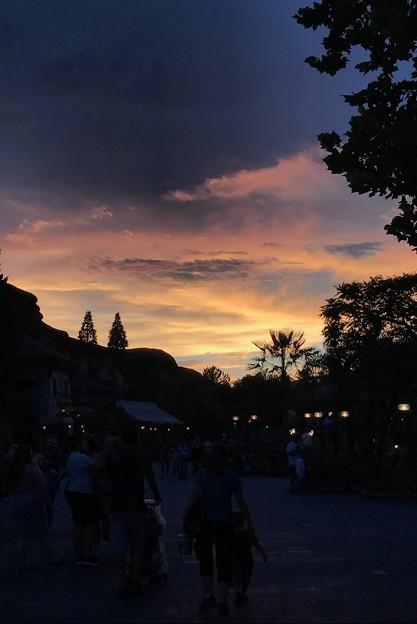写真: Sunset in Fantasyland 8-22-18