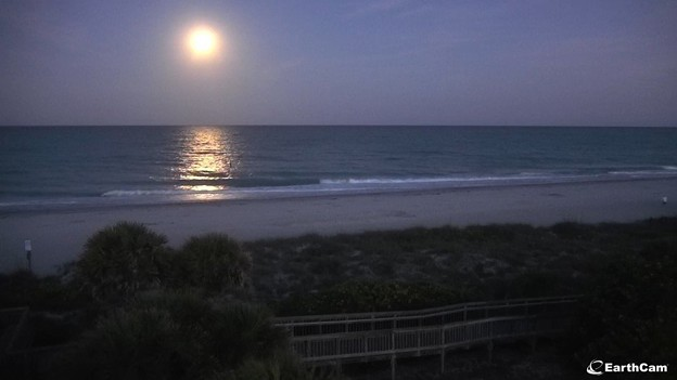 Englewood-Beach-Cam_Moonset 5-7-20