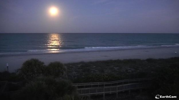Englewood-Beach-Cam_Moonset 5-7-20