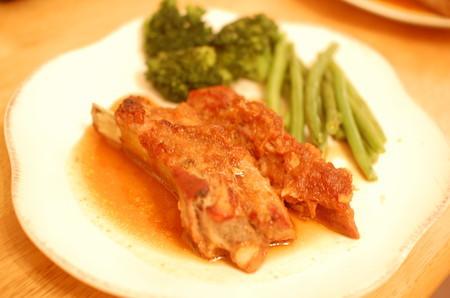 豚肉のスペアリブオーブン焼き