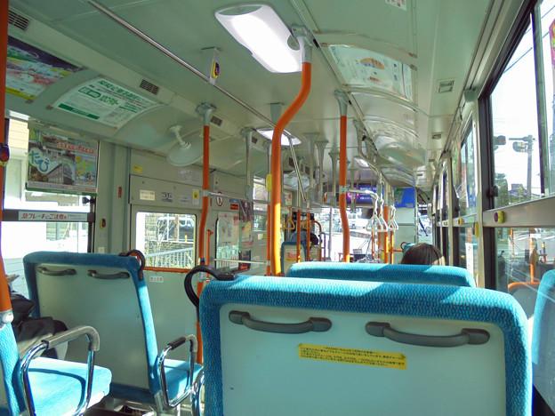 神奈川中央交通バスの車内