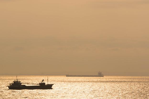 日暮れの海