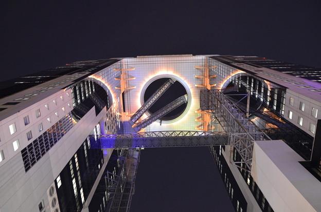 橋を渡ると別世界