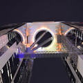 Photos: 橋を渡ると別世界