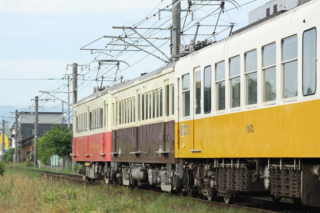 Photos: 琴電1070形+レトロ(500+23)