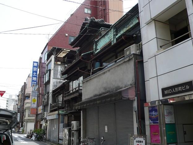 日本橋人形町2-5の木造三階建て建築