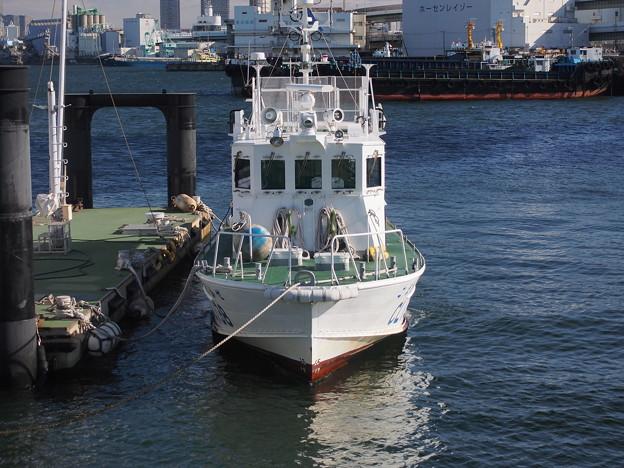 大阪港にて